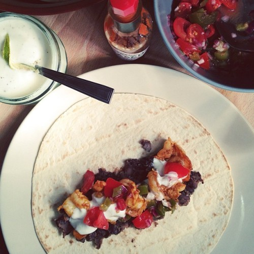 Smokey prawn tacos + jalapeño salsa now on the blog.