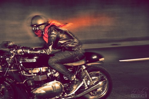"bonniecoratella:  ""Thai Biker"" Triumph Thruxton 900BY RIDE&PRIDE"