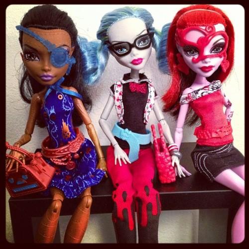 anthxny: Nalezeno všech 4 deluxe módní balení na Toys R Us dnes večer!