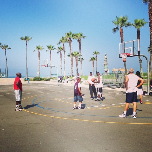 Still gotta run a game here 😔🏀. #venice #westside #westcoastball #yeezzir