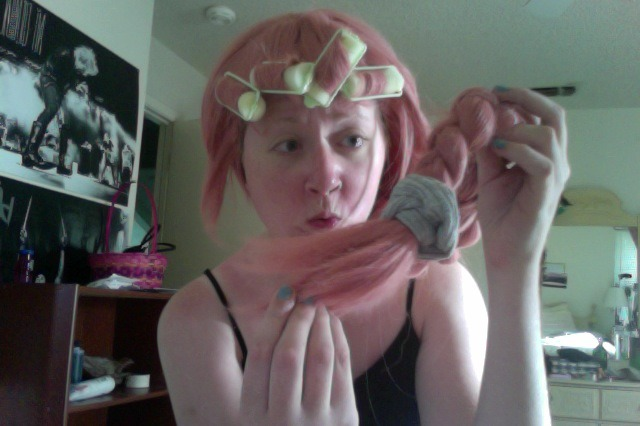 Cutting and styling my Bubblegum wig featuring a confused me