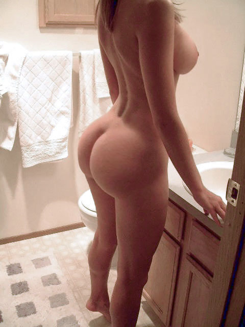 fuckyeahtonsofass:  Tons and tons and tons and tons and TONS of ASS!http://fuckyeahtonsofass.tumblr.com  What.