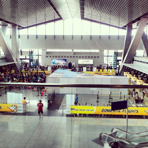 Sooooooooo what am I doing in an airport on a Sunday? (at Cebu Pacific (5J) Check-In Area)