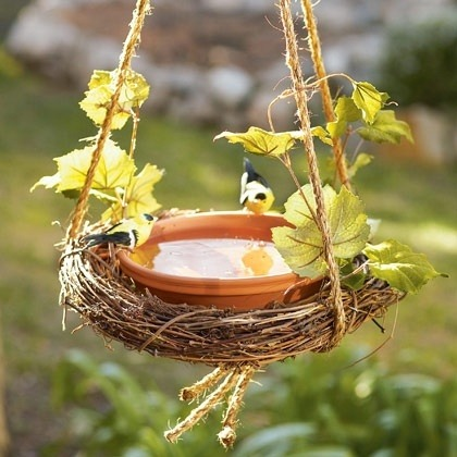 Wreath birdbath http://bit.ly/13kxFTv