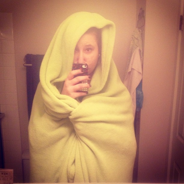 I am a burrito of sadness today. #badday #sad #sadsarahissad #bored #hashtag #igdaily #blanket #warm #tired