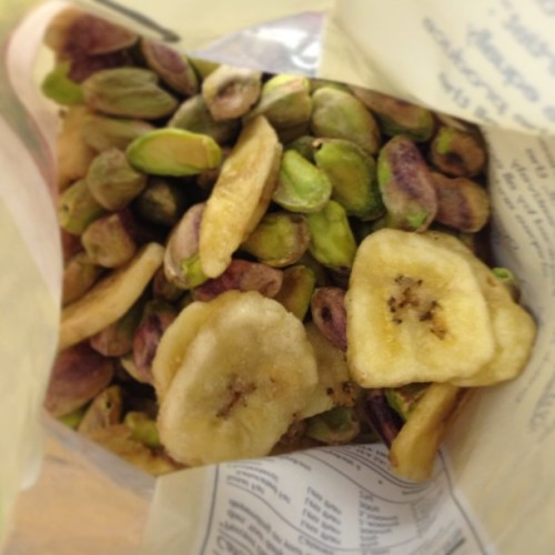 #superfood #snacks #dried fruit #nuts #pistachio #banana