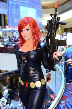 whybecosplay:  Black Widow, The Avengers  http://www.g4tv.com/images/4881/aots-dragoncon-2012-comic-book-cosplay-pics/82417/