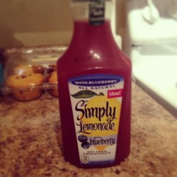 Thank me later. Simply amazing. #simplyliving #simplylemonade #simplylemonadeblueberry #summertime #lemonade #fye @ilovecurlz I tried to tell you.