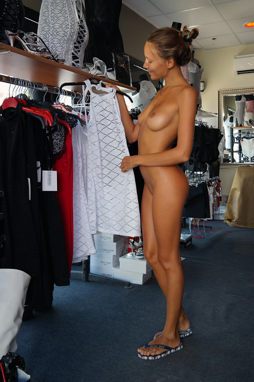 allbodiesareperfect:onlyhighheels:twoclovers:All days naked!Nothing but Heels at onlyhighheels!A Perfect Body at allbodiesareperfect!Must be in Agde&#8230