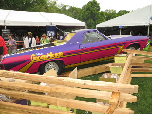 More GoogaMooga cars…