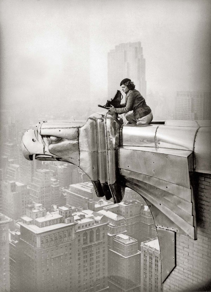 wandrlust:  Margaret Bourke-White working at the top of the Chrysler Building, New York, New York, 1935.