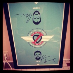 salvadormolly:  Poster signed by Kevin Smith and Scott Mosier! Thanks, love :)