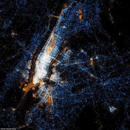 #NYC map measured by new media. Red dots = Flicker. Blue Dots = Tweets. White dots = Both.