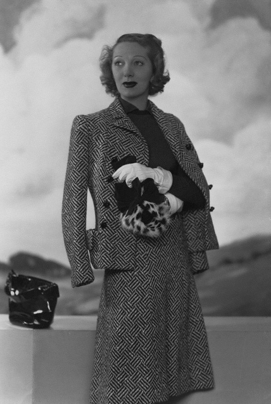 photo by Dorothy Wilding, 1939