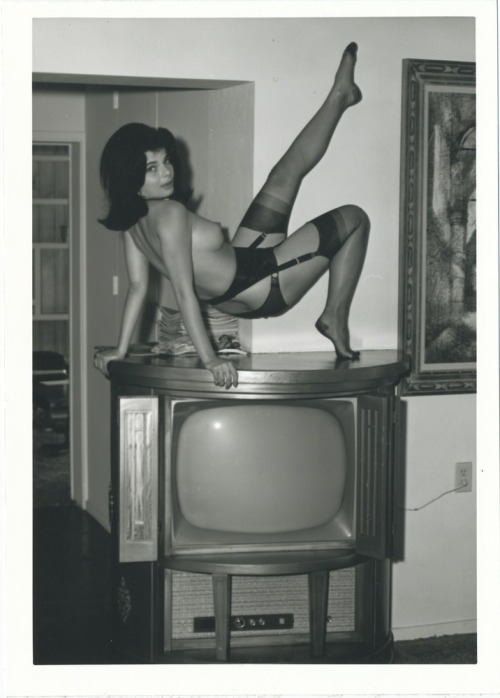 thepinupclub:  What's on TV ?