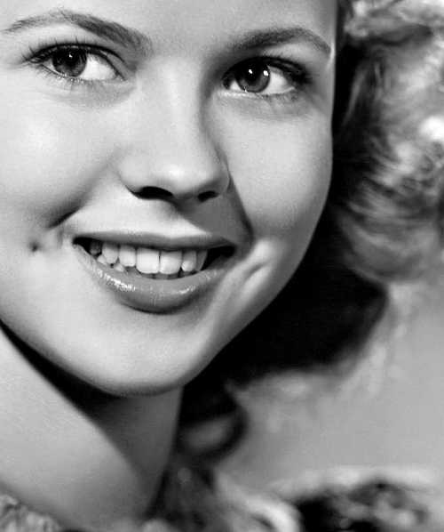"mariatura:  Happy Birthday Shirley Temple! (April 23, 1928)  ""I stopped believing in Santa Claus when I was six. Mother took me to see him in a department store and he asked for my autograph."""