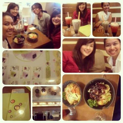 05.17.2013 Lunch with #kae #haya and #claudine! ;) @kaeleonardo @mayos03 #bubbletea #2013 #summer2013 #firsttime #lunch #tomasmorato #karen;) #mandy #5AR-2 #buhayarki #foodblog #food #asiansatwork #photoblog #friends #memories #milktea #interior #event ;) (at Bubble Tea)
