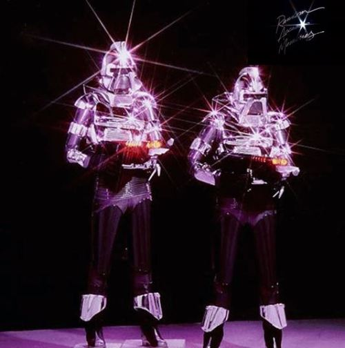 cylons in love. random access memories thanks to mugler 88