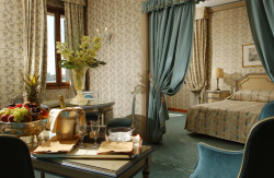 hikenow:  (via Staying in Hotel Danieli offers a magnificent atmosphere just a short walk to heart of the city and Piazza San Marco - Italy)