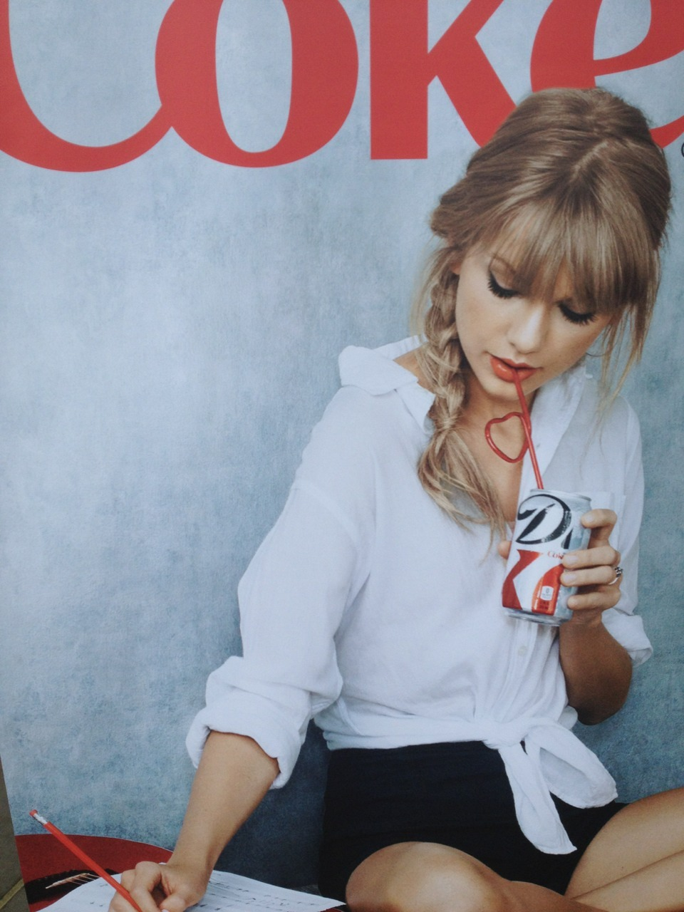 toinfiniityyandbeyond:  redtournews:  New Diet Coke ad in Atlanta! (credit: redtournews)   this is so beautiful