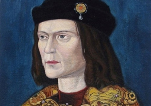 "Compromise deal could see Richard III lie in state at York Minster The remains of King Richard III could lie in state in York Minster later this year under a compromise deal over his final resting place between local campaigners and the academics who discovered his bones. York MPs still plan to meet with Leicester University representatives in the coming weeks to make the case for bringing the King back to his favoured county for burial in Yorkshire, but have also reacted favourably to a possible compromise should they fail.    The deal could see the last Yorkist King of England lie in state for a short period at the Minster to allow the public to come and pay their final respects, before he is returned to Leicester to be buried. The remains of Richard III, who was slain at the battle of Bosworth Field in 1485, were discovered in a car park in Leicester last month. The university team which carried out the excavation plans to bury him at Leicester University. But a rival campaign wants to bring Richard back to his chosen resting place of York Minster. The debate took a nasty turn this week when it emerged the Dean of York, the Very Rev Vivienne Faull, had to call the police after receiving abusive letters from people objecting to her stance on the issue. The possible compromise has been hatched by a ""neutral"" MP, Chris Skidmore, who is a member of the Richard III society which helped fund the excavation. ""I am interested in an independent solution,"" Mr Skidmore told MPs. ""Consider my compromise, whereby even if Richard is buried in Leicester, his body might lie in state at York for a week."" York Central MP Hugh Bayley, said it was ""too early"" to make a deal ahead of his crunch talks with Leicester University, but said: ""It is a constructive idea. ""We should look at ways to 