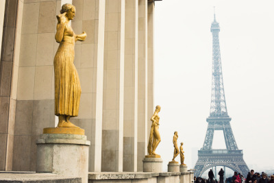Vacation At Your Desk: Parisian Getaway Check out these beautiful shots of Paris from Anne Street Studios and take a look at the full gallery (here) for a vacation you can have right from your desk.