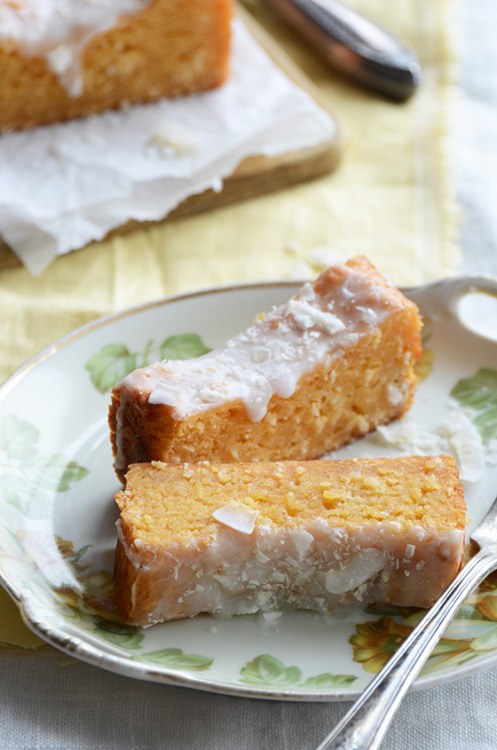 tropical papaya coconut cake.
