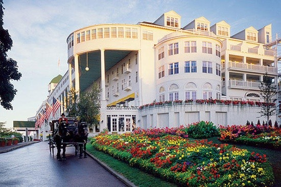 queen-b-wannabe:  Mackinac Island, Michigan. Went there as a young girl, about 7yrs old. We too on We Heart It - http://weheartit.com/entry/60554310/via/oliviabk Hearted from: http://family-vacation-ideas.com/mackinac-island-michigan-went-there-as-a-young-girl-about-7yrs-old-we-too/