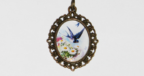 Swallow Daisies Necklacehttps://www.etsy.com/listing/102065970/swallow-daisies-necklace