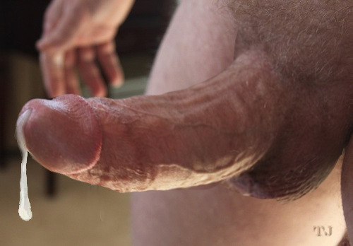 chastecuckold:  omacarmen:  torontojock:  The Bigger They Cum…  omacarmen  The bigger they cumThe more you swallow