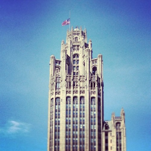 #tribune #chicago #tower #tribunetower #wgn #downtown   (at Tribune Tower)