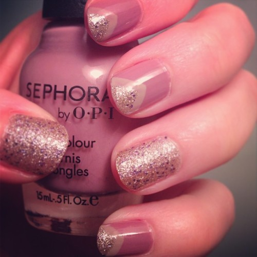#notd #sephora #opi #callyourmother #mauve with #essence #nudeit and #sallyhansen #gemcrush #bigmoney accent nails and #vtips ! 💅 An easy #nailart design with lovely, soft colors 😊