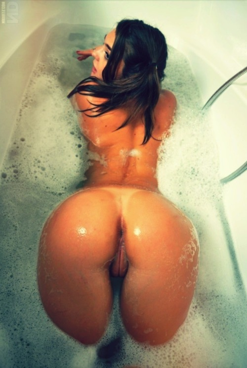 hotgirlz4u:  Why don't you join me? http://girlz4u.tumblr.com