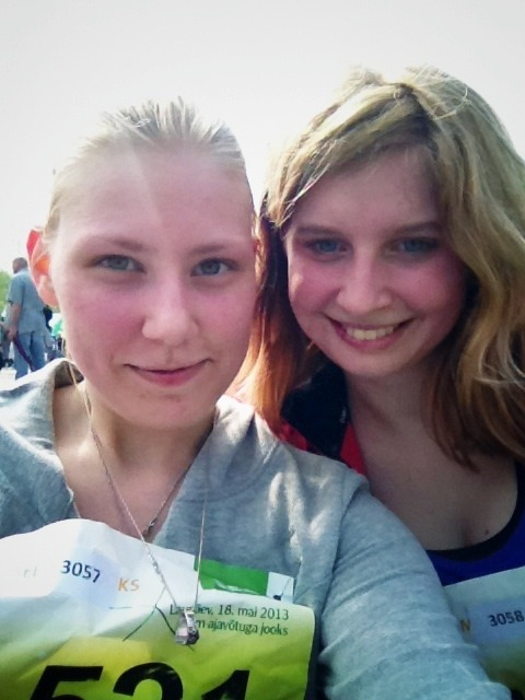 7k done!! :D My awesome friend on the left! 46:16 - which is 15 minutes faster than last year. YESSSSS