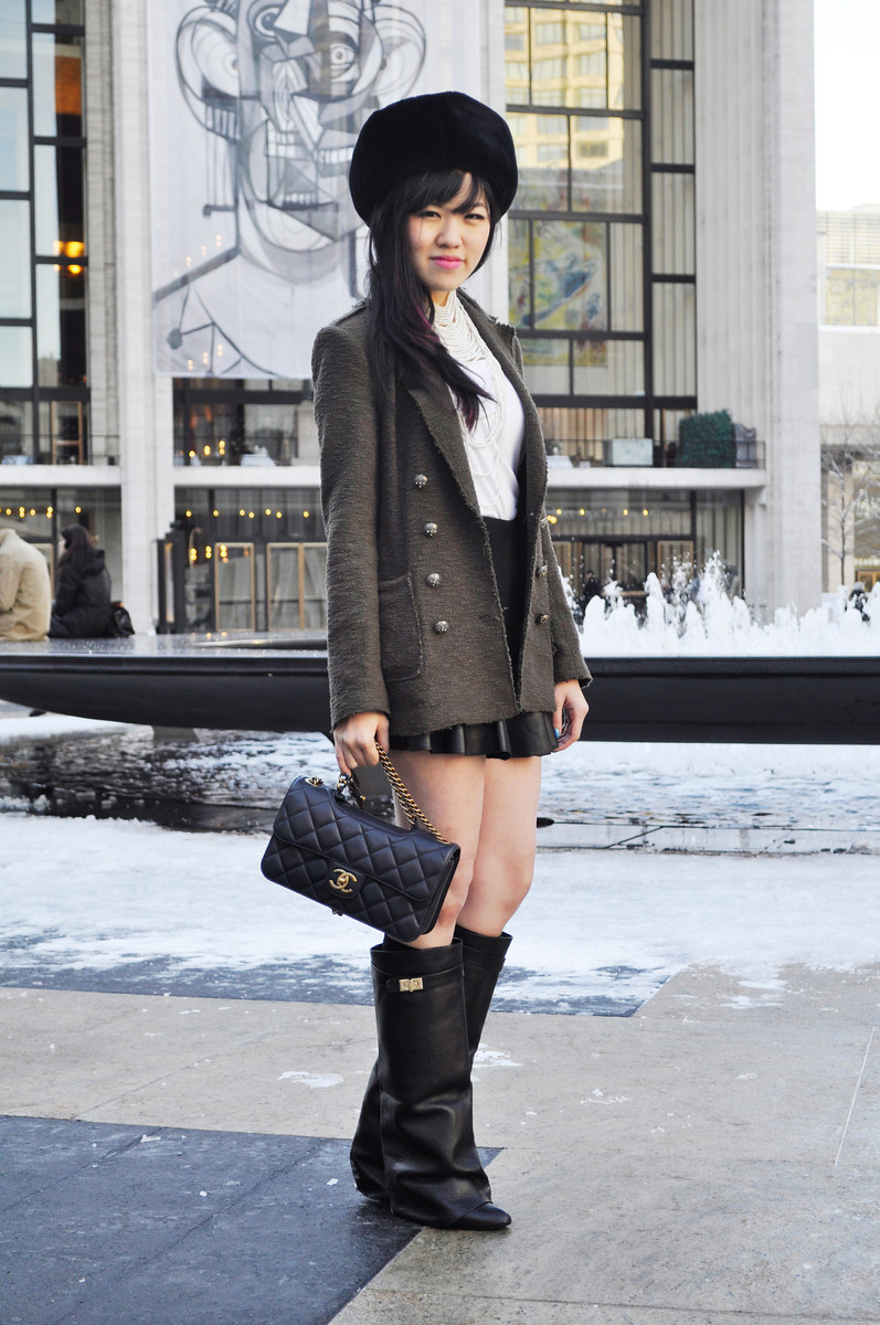 Rachel plays for the Russians#NYFW Day 3: Zara coat | Chanel perfect edge (similar here) | Givenchy boots (similar here)  (last photo by modehunter)