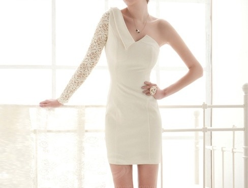 daretobefashionable:  One Shoulder Lace Dress