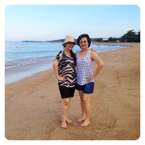 Mother & Daughter by the #beach #bali