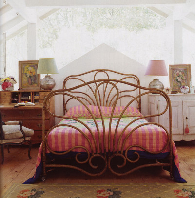 sweethomestyle:  Bed by midcenturyjo on Flickr.