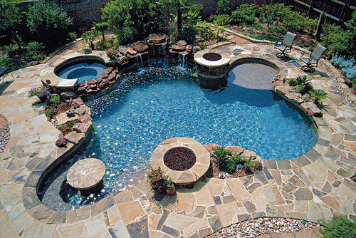 forever-and-alwayss:  this is so my dream pool