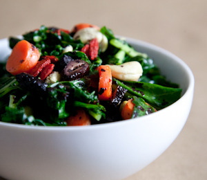 findvegan:  Superfood Kale Avocado Salad with Raw Olives