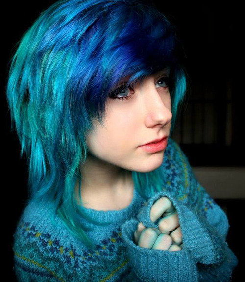 redpoisonrose:  (15) scene hair | Tumblr on We Heart It - http://weheartit.com/entry/55455503/via/nightmare_dangel