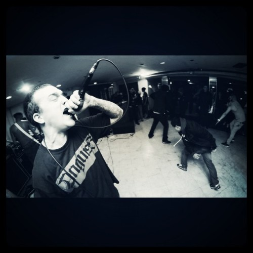 Tj throwing it down in Brooklyn , NY #knuckleup #vocalist #Mediaskare #nJhc   #Brooklyn #nyhc #anguish #singer