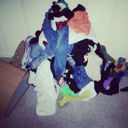 Someone come do my laundry!!!! #laundry #HELPME :((