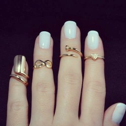 djowenna:  BeDreamer♡ (Not mine, but i love this rings ❤ #cute #rings…) op @weheartit.com - http://whrt.it/Y8iSZz