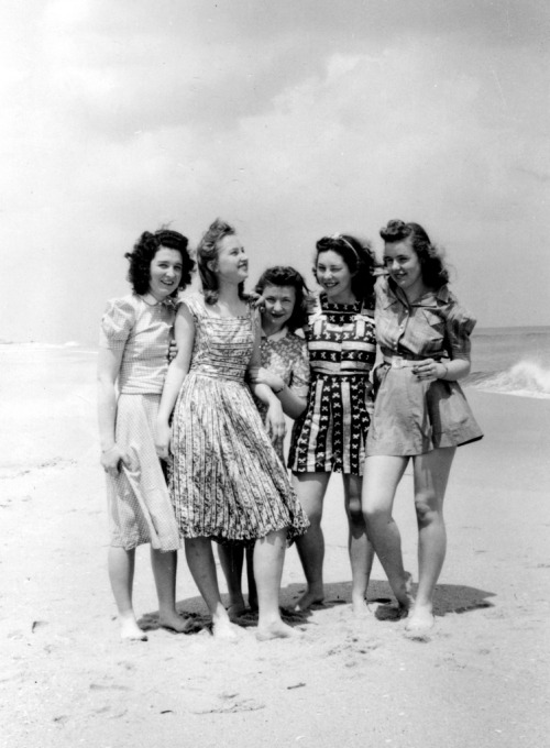 Jersey shore, 1942 (by kramer_nj)