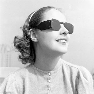 Alfred Eisenstaedt - Sunglasses and Bows