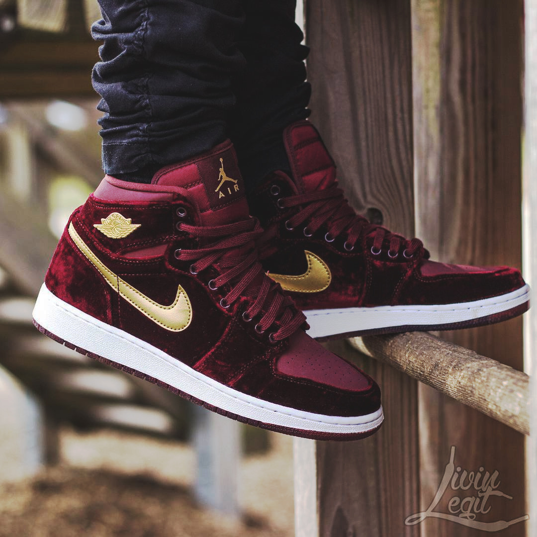 6e899098afd31a ... Nike Air Jordan 1 Heiress Velvet - 2016 (by livinlegit)  Nike Air  Jordan 1 Heiress Features Red Velvet And Gold 832596-640 Mens Womens  Basketball ...