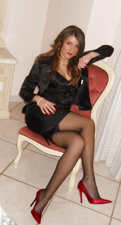 sweetsissydenise:  femboysandcrossdressers:  The sissy Boss.  Beautiful