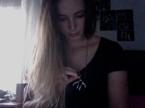one of my fave necklaces, bought it in stockholm after i found out reindeer were real bcuz i saw dem!