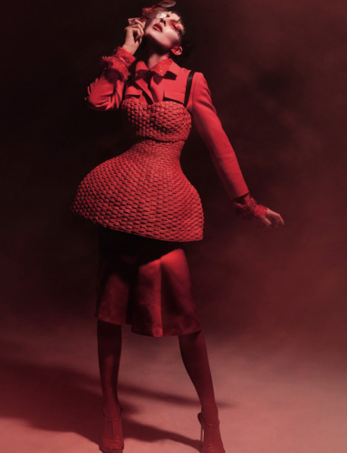 "stormtrooperfashion:  Eliza Cummings in ""In the Red"" by Ruth Hogben for Dazed & Confused, June 2013"